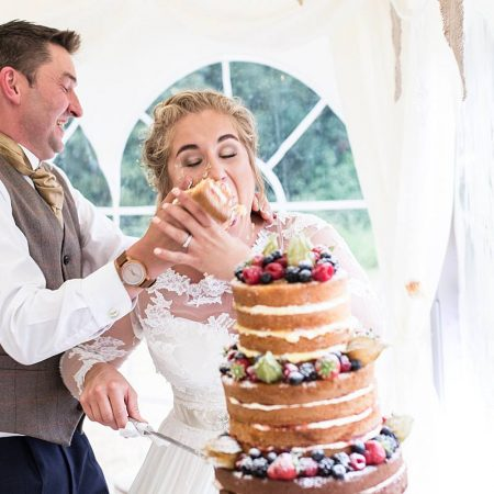 Should you have a traditional wedding cake or a cheese cake?