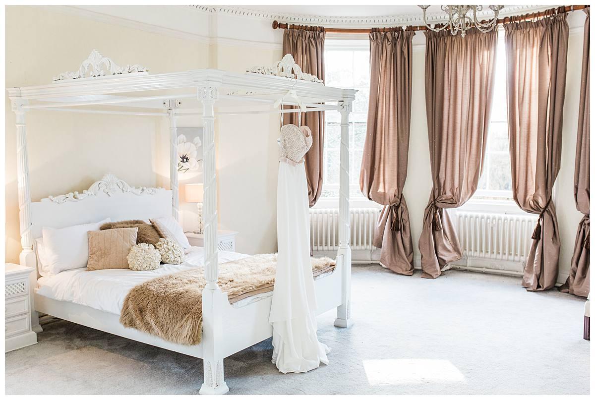 bridal suite wedding photographer eastington park