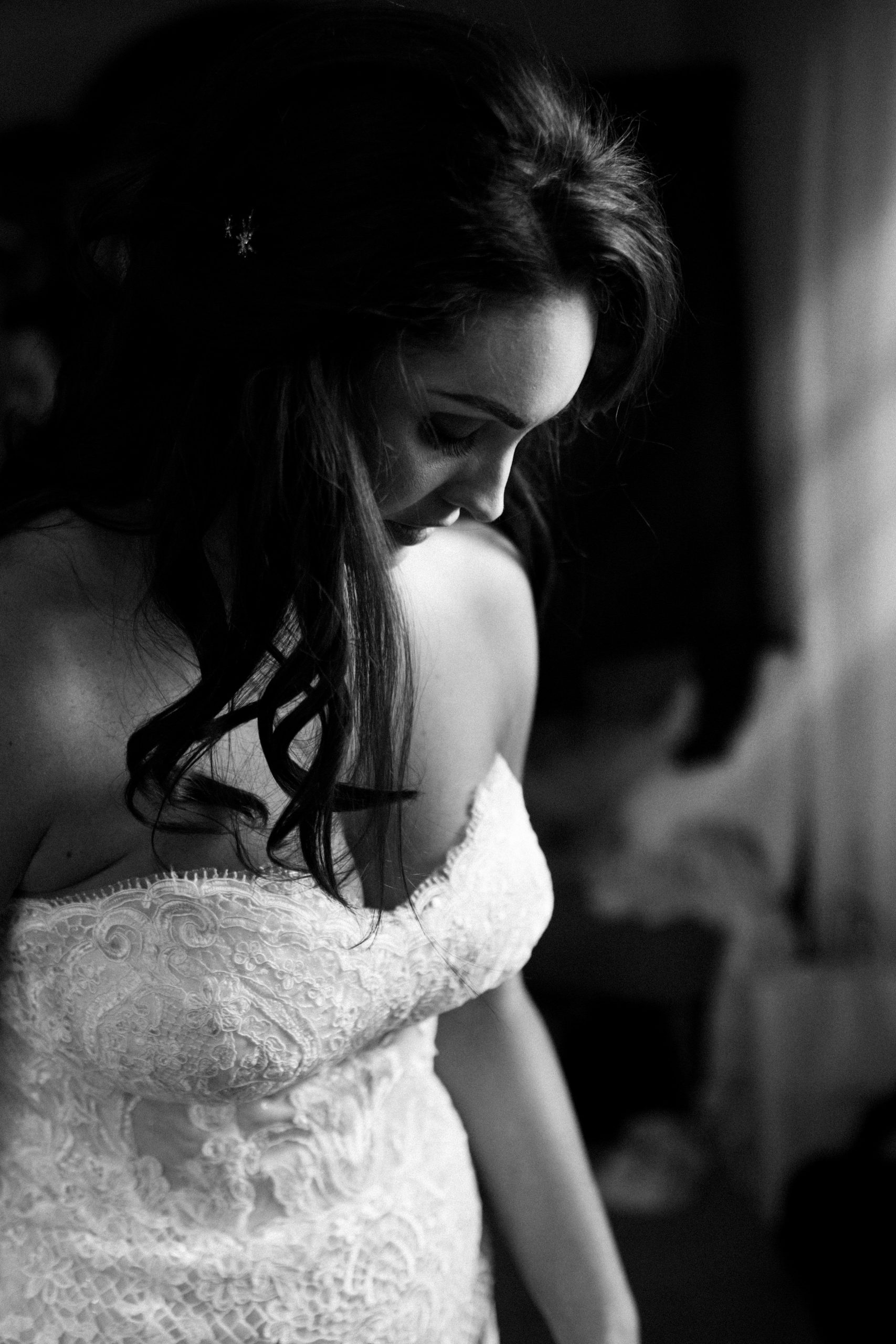 Gloucestershire photographer black and white bride