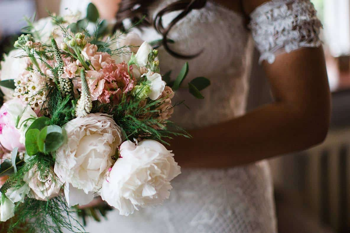 peonie bouquet gloucestershire wedding photographers