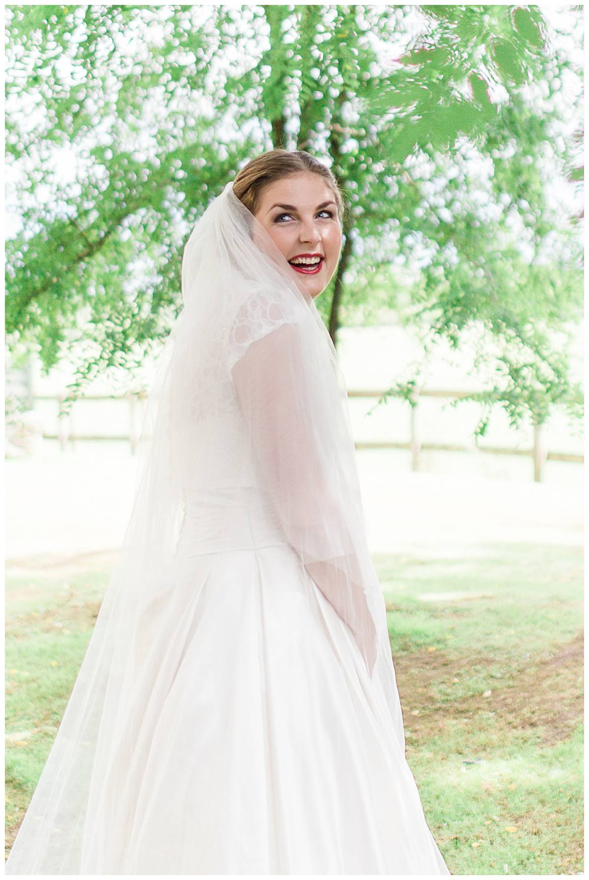 laughing bride gloucestershire wedding photography