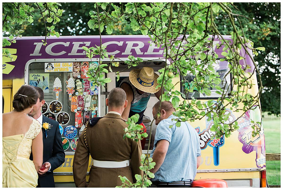 ice cream van gloucestershire wedding photography