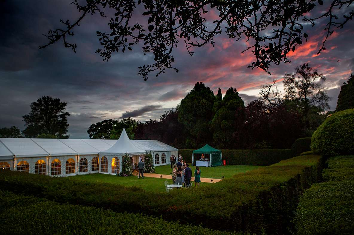 marquee wedding cotswold wedding photography