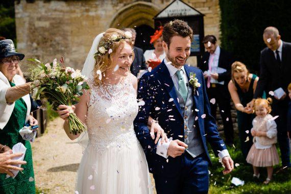 confetti toss covid micro wedding photographer