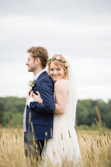 couple hugging micro wedding photographer